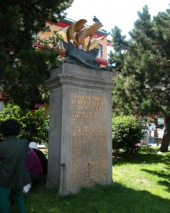 The Robert Louis Stevenson monument in 2003.